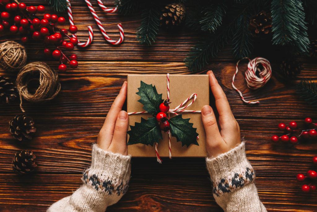 christmas holly gift box